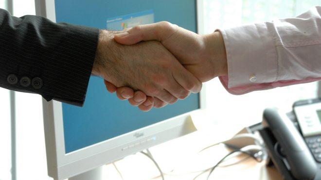 Choisir un statut et trouver son 1er client